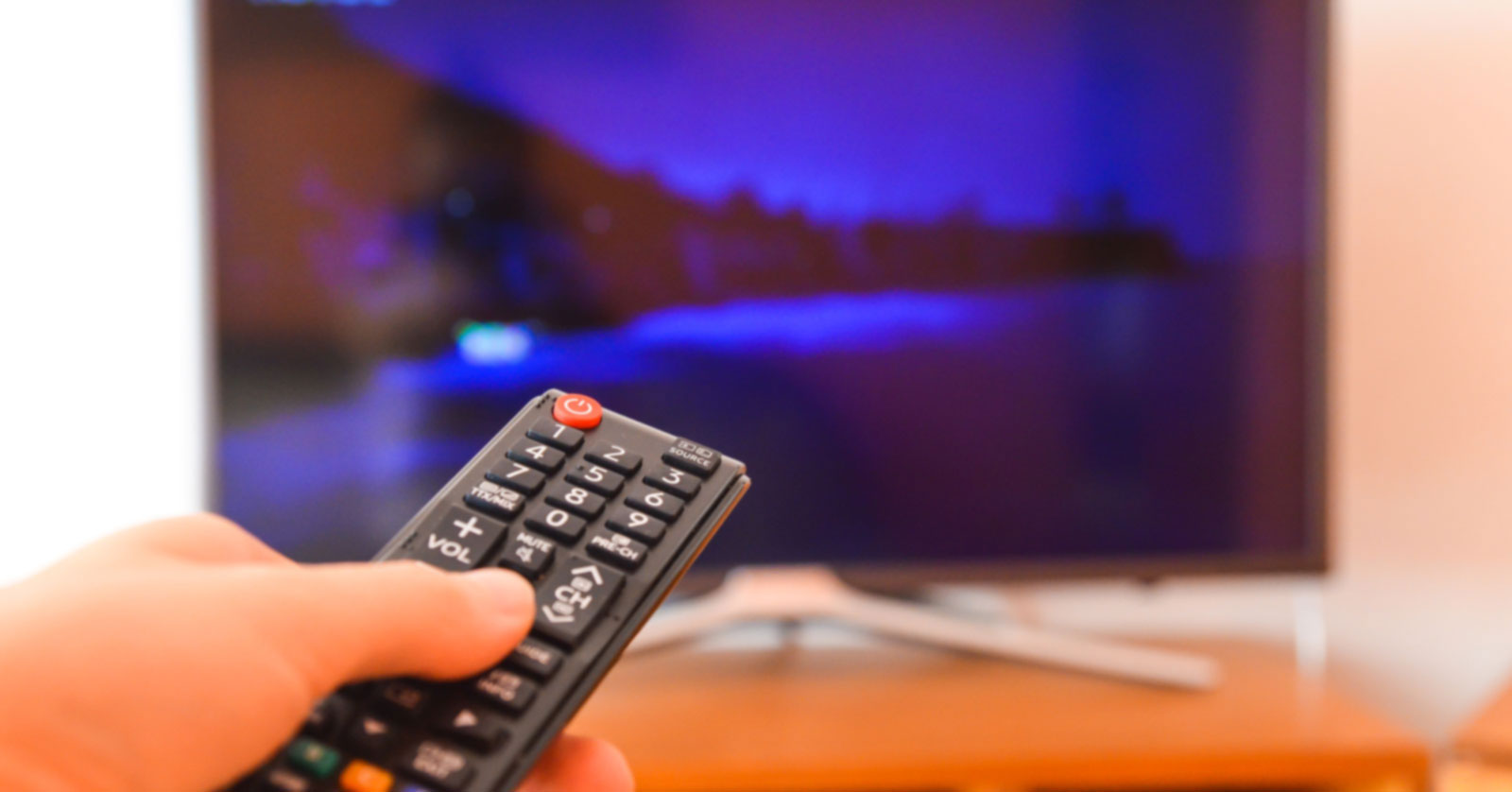Do Your Eyes Hurt When Watching TV? Here's How to Protect Your Eyes.